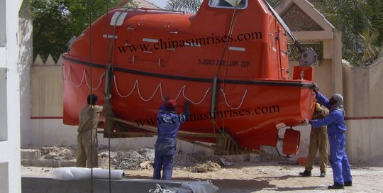 5m-Lifeboat-with-Davit-for-Training